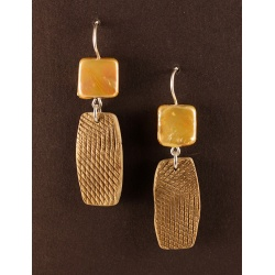 Textured Gold Polymer Tabs with Square Gold Coin Pearl