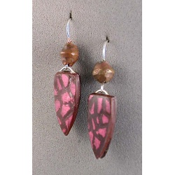 Snakeskin-look earrings with tribal copper bead